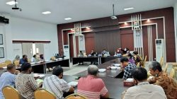 Rapat Bersama DPRD, Sekda dan Kepala OPD, Bulog : Pemda Luwu Siap Bantu Salurkan Beras ke ASN