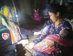 PSC 119 Luwu Keliling Periksa Kesehatan Warga Yang Terdampak Banjir di Walut